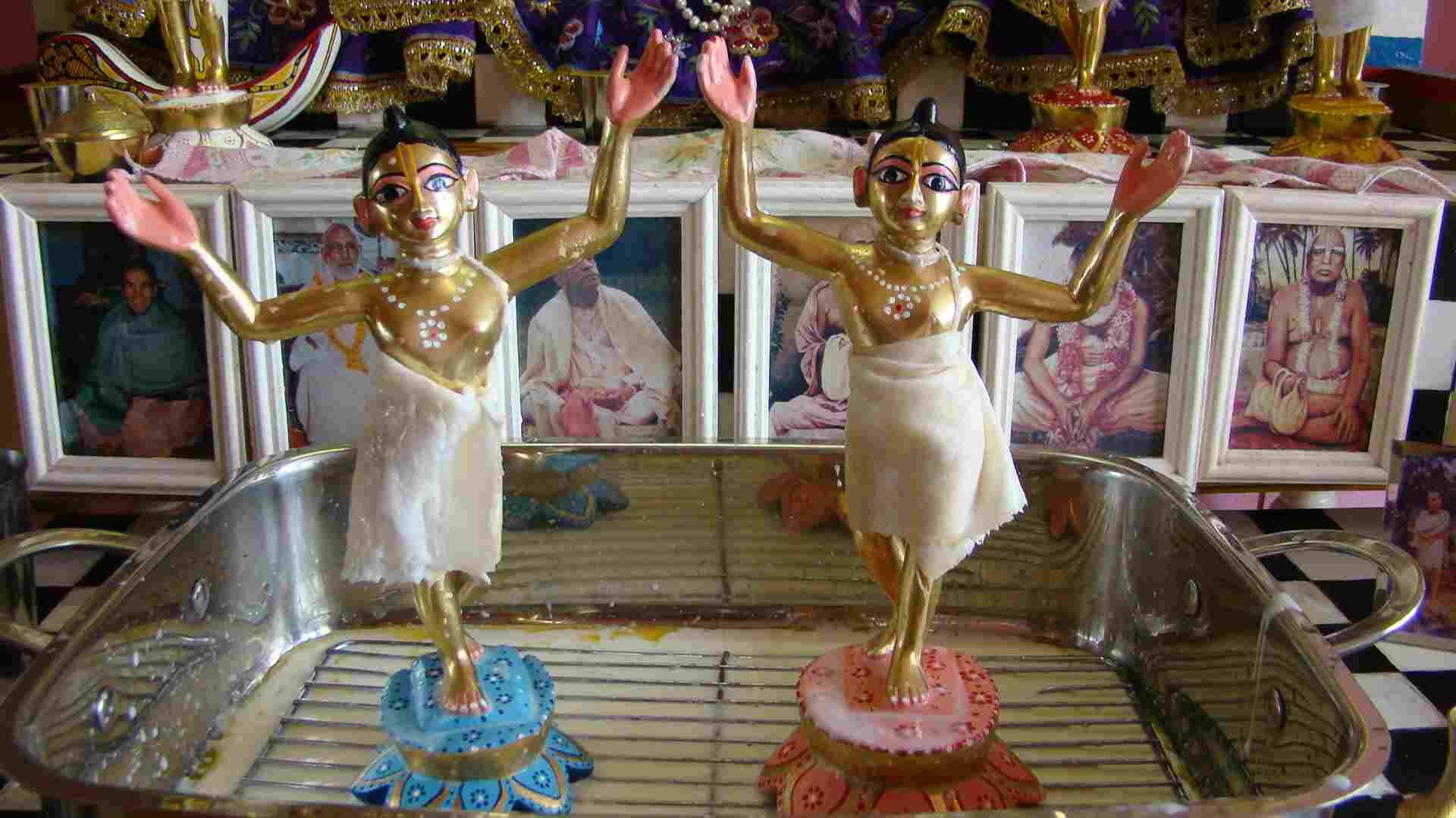 поклонение божествам гаура нитай инструкция